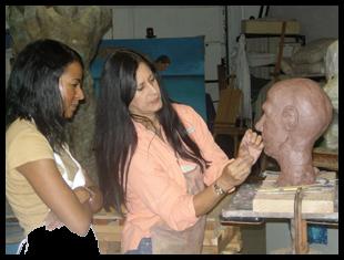 Nilda Comas to Unveil Her Latest Sculpture for VAS Salonistas